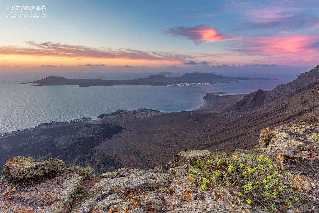Image of sunset over La Graciosa island by Jon Barker